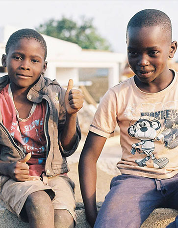 Kids in Mozambique smiling